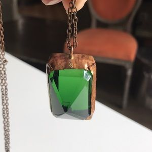 Jewelry - Green stone & copper necklace